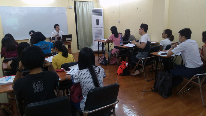 日本語研修を受けるインターンシップ生